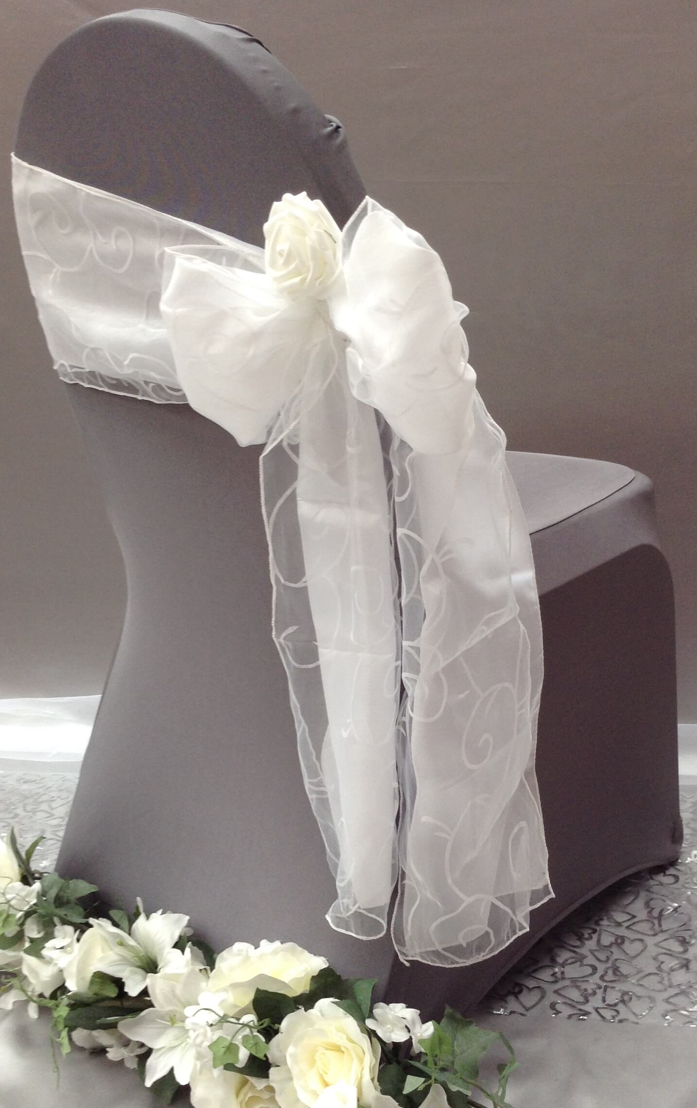 Chair cover with side bow